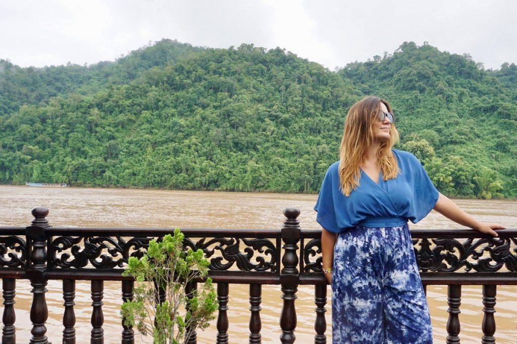girl mekong river