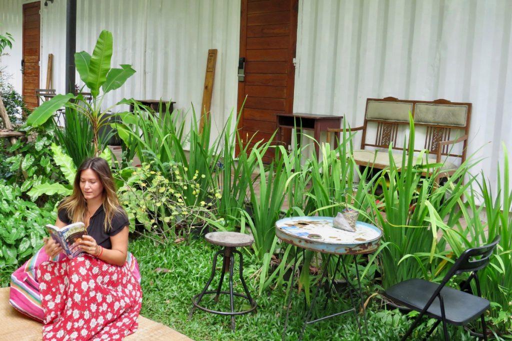 girl hostel bkk