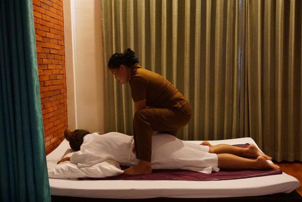 girl massage Laos