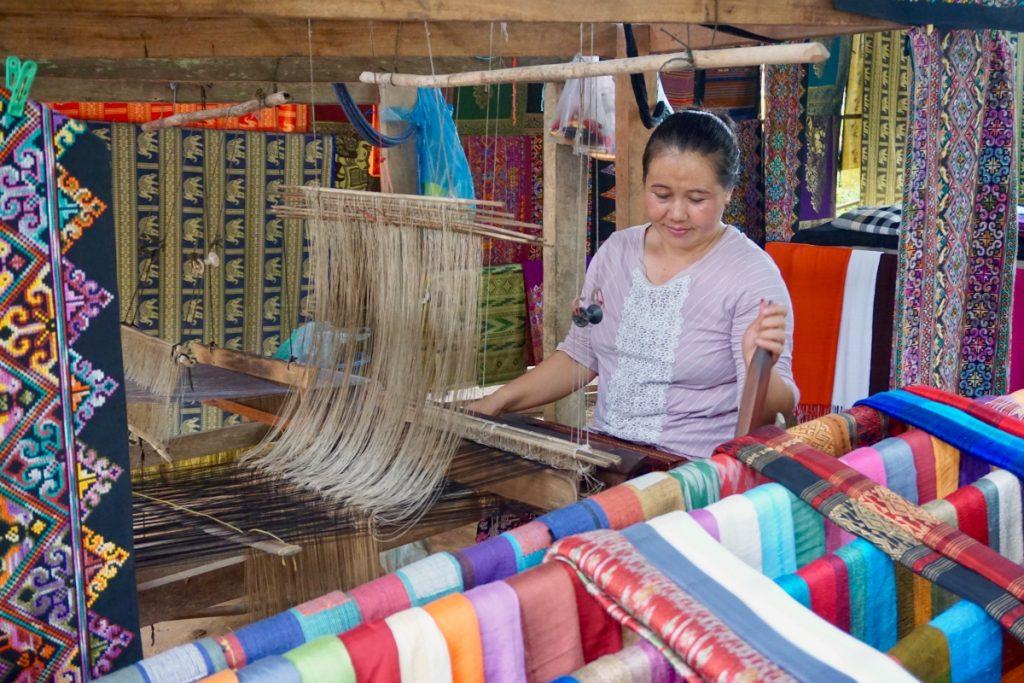 Laos loom
